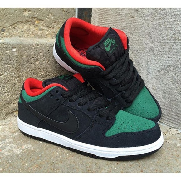 finest selection a90c4 eace5 Nike Dunk Lo SB Reptile Gucci Colorway